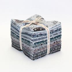 9653-550 Peacock Manor Fat Quarters